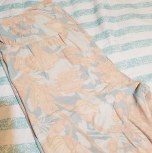 New OS Lularoe Elegant Flower Leggings
